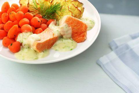 Zalmfilet in dillesaus met Parijse worteltjes en aardappelpuree (kleine maaltijd)