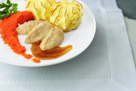 Kip met worteltjes en knolselderijpuree (gemalen)