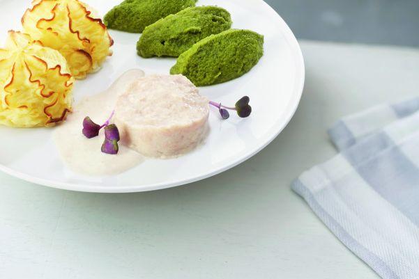 Kip in smaakvolle crèmesaus met broccoli en aardappelpuree (gemalen)