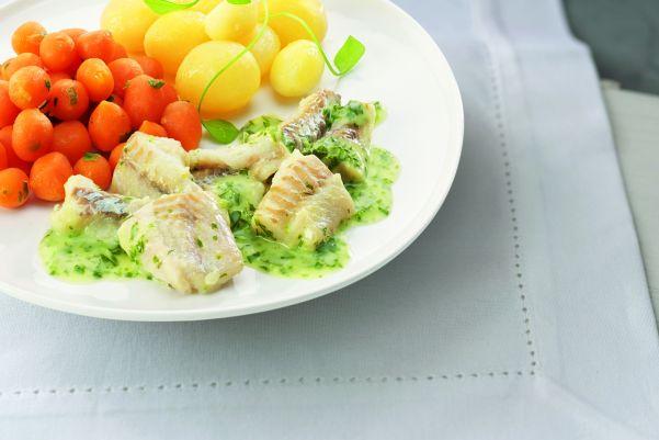 Visfilet in waterkerssaus met Parijse wortelen en gekookte krieltjes (zoutarm)